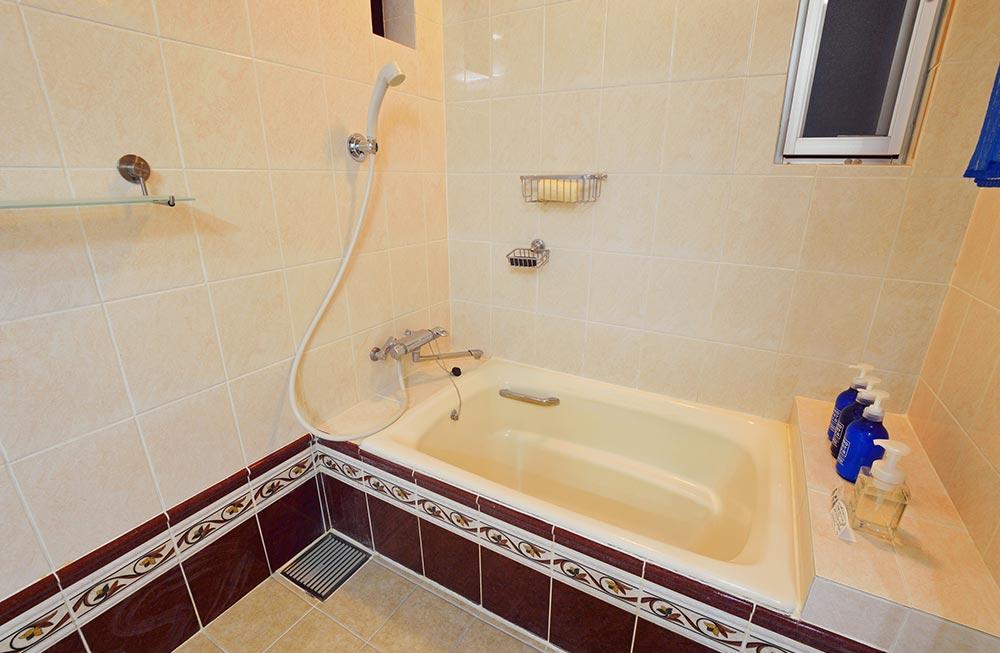 清潔なシャワールームも完備